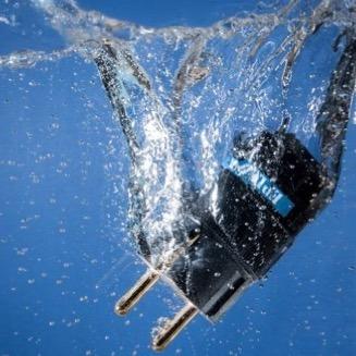 Epluggs Shuko Stecker im Wasser